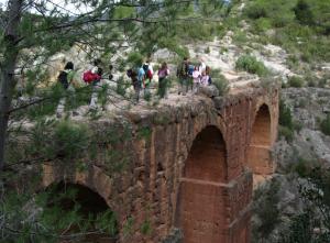 Abay a pata  Calles - Castillo de Domeño (Valencia) @ Pueblo de Calles - Valencia